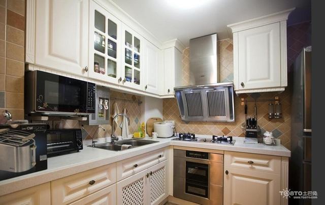 側吸式VS頂吸式。廚房吸油煙機哪種好? - 每日頭條
