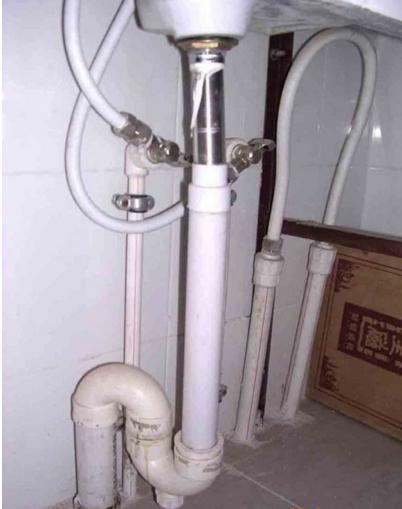 熱水器裝在廚房。衛生間熱水出來慢?弄清這幾個原因。秒出熱水! - 每日頭條