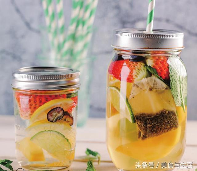 芒果草莓冰茶,茶香清純,味道可口,還具有消暑解渴的功效哦 - 每日頭條