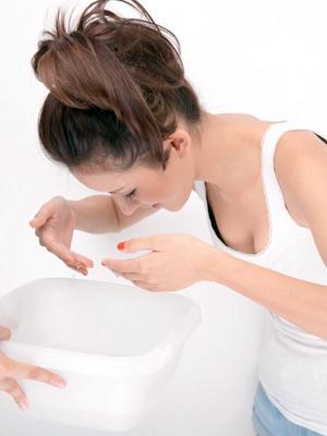 簡便的蒸臉美容方法。蒸出好皮膚 - 每日頭條