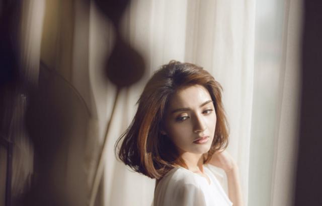 同是新疆美女,大家只記住了迪麗熱巴,佟麗婭,娜扎 但卻忘了她 - 每日頭條