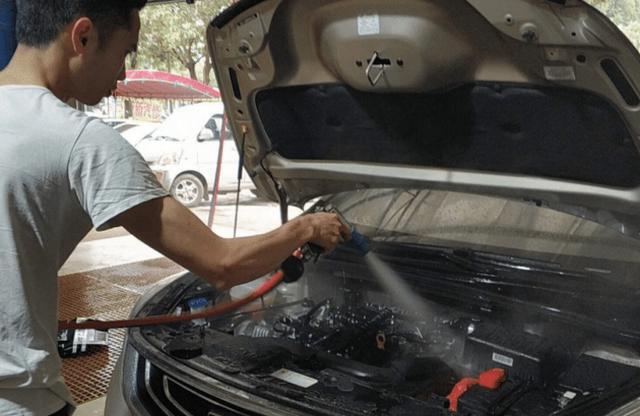 洗車工提醒:自己洗車時。有3個地方儘量不要沾水。不然就是毀車 - 每日頭條