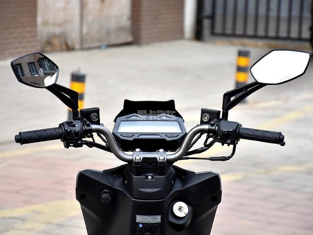 裸把與戰斧發動機的完美組合 光陽動麗G150實拍 - 每日頭條
