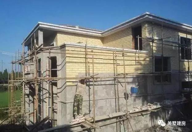 小伙只花25萬。建起2層自建房還包門窗。說出來都沒人信 - 每日頭條