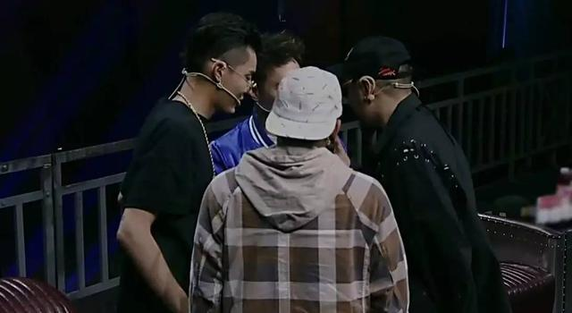 《中國有嘻哈》製作人復活了3組選手。有沒選中你要的? - 每日頭條