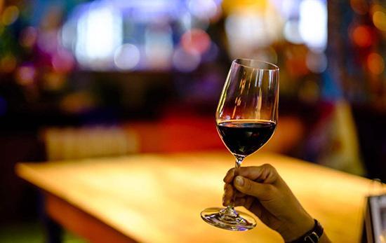 紅酒的養生功效。每天一杯。喝出健康。喝出長壽 - 每日頭條