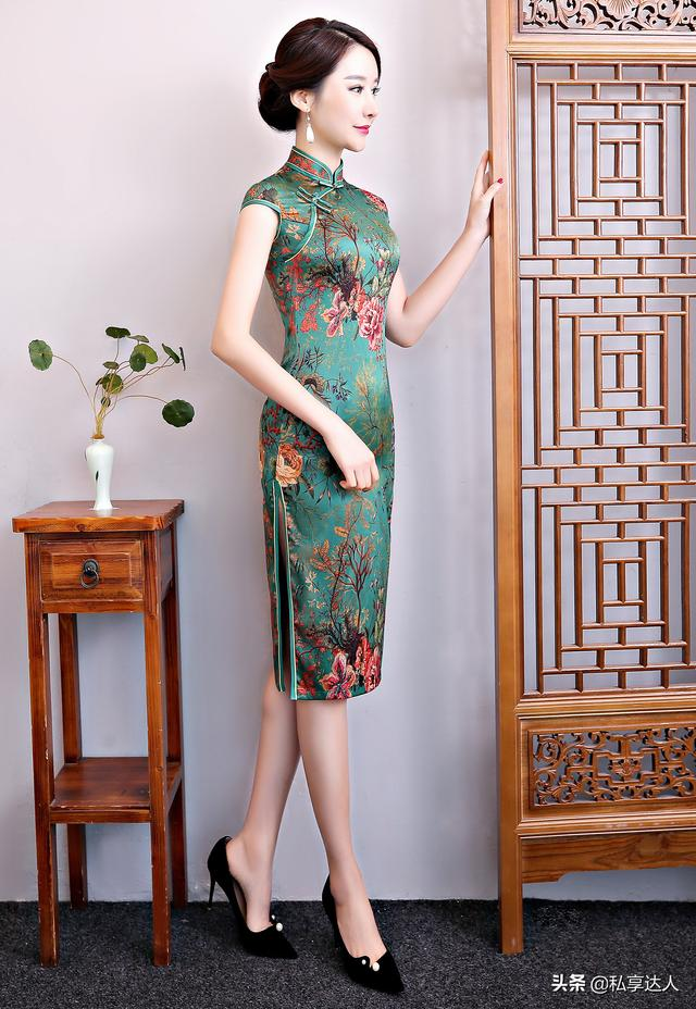 綠色旗袍怎麼穿才能讓人留下過目不忘的印象呢? - 每日頭條