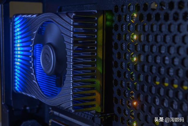 Intel終於服軟:這款戰術級晶片。由臺積電7nm EUV代工 - 每日頭條