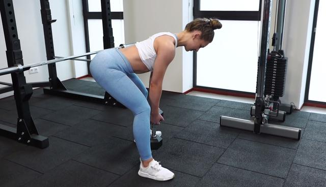 家庭啞鈴健身:在家訓練臀部。全方面訓練臀大肌、臀小肌、臀中肌 - 每日頭條