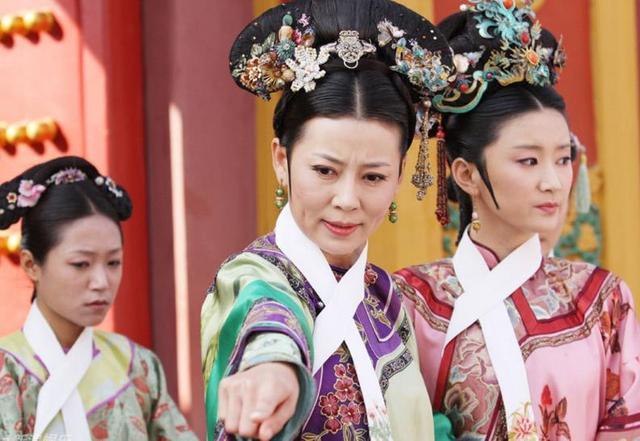 《甄嬛傳》戰鬥力最弱的六位小主,精湛的演技更是給觀眾留下了強烈的印象,楊梓嫣開始試裝,還不如《甄嬛傳》齊妃演配角好 - 每日頭條