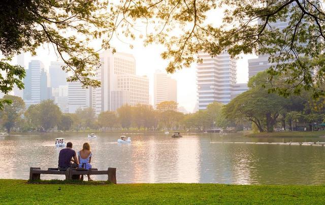 去泰國旅遊什麼季節最好,節日,購物等的評價,0 2,2-4月最佳;4-10月則是暹邏灣(泰國灣)潛水季節,6-10月下雨 - 每日頭條