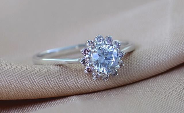 2019年1克拉鑽石戒指多少錢 - 每日頭條