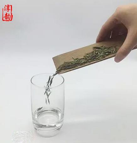 綠茶是用玻璃杯沖泡好喝還是用工夫茶具沖泡好喝? - 每日頭條