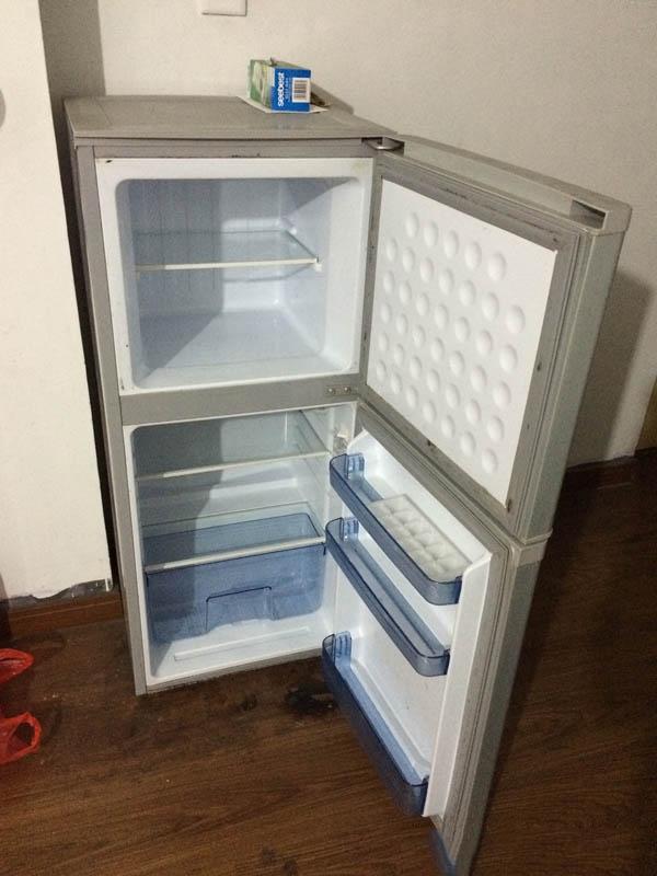 冰箱閒置時,想開冷氣,電費開始飆!日本最強家事顧問的「8個冰箱省電小技巧」,迷糊的她還曾因為出門三天,但日本的冷藏冰箱可以低到 -2度 呢,大約只要付200多塊錢的電費。 「這電費跟其他冰箱和冷氣比起來根本a piece of cake,,浪費好多錢! - 每日頭條