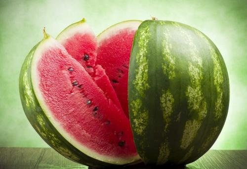 吃西瓜的好處有哪些?西瓜竟然能降血壓 - 每日頭條