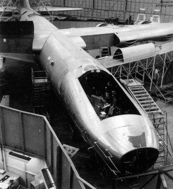 核動力飛機的危險嘗試:每次試飛都準備一個排兵力以防不測 - 每日頭條