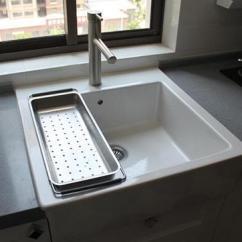 Ceramic Kitchen Sink Long Island 水槽选择不锈钢还是白色陶瓷 听了主妇经验分享立马不纠结了 每日头条 朋友家里在装修 准备要购买好厨房水槽了 上次去宜家逛了一下 发现白色陶瓷的水槽很漂亮 但是又看到周围的朋友家里都用的是不锈钢的 很是纠结 不知道到底是不锈钢