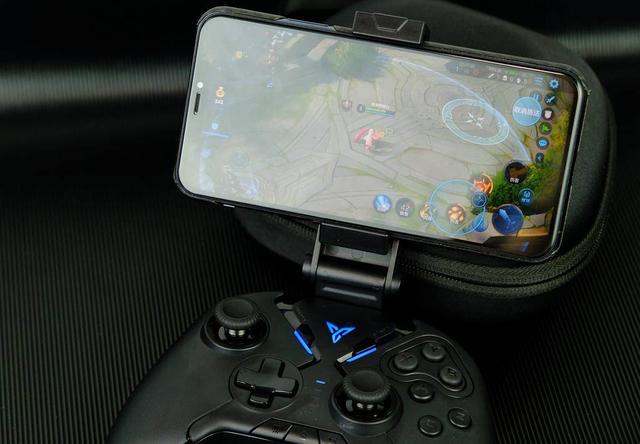 飛智八爪魚2首創遊戲新體驗,多平臺兼容,支持可拖動輪盤 - 每日頭條