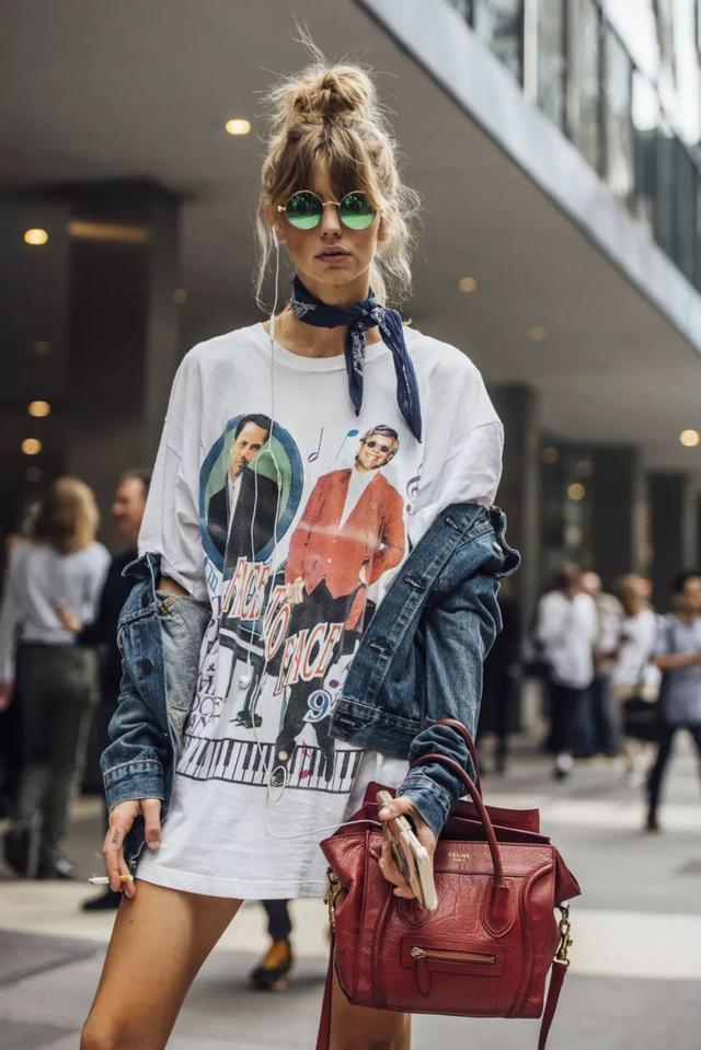 T恤+薄外套=最潮搭配!簡直能承包你整個春季 - 每日頭條