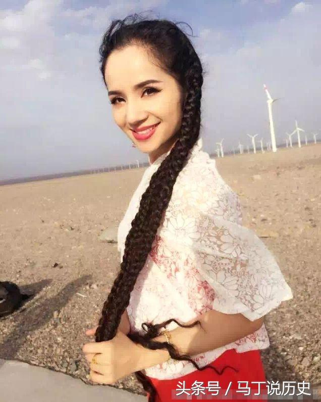 圖說:新疆女孩為何都很漂亮。有著美麗長發、濃密眉毛 - 每日頭條