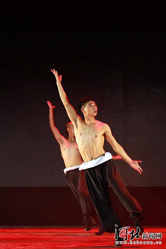 河北經貿大學藝術學院舞蹈系舉行畢業匯報演出 - 每日頭條