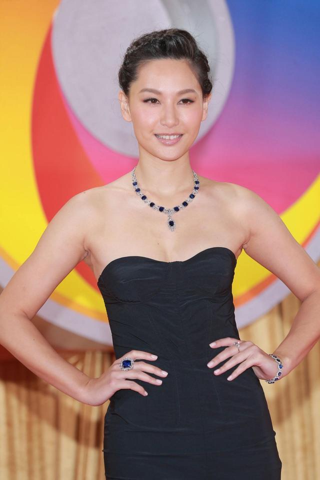 2018香港小姐冠軍出爐 曾經美貌無雙的港姐們已是神話 - 每日頭條