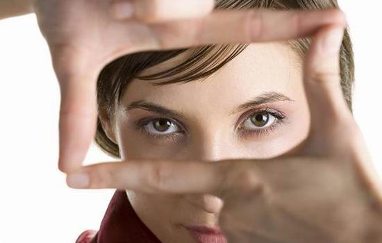 眼睛紅血絲怎麼消除 消除紅血絲必知的7大辦法 - 每日頭條