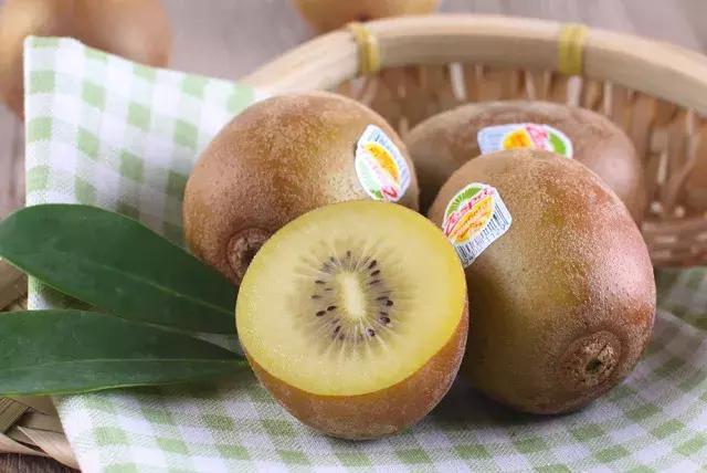 金秋到,水果之王來報導!黃金色的奇異果,當然要吃紐西蘭的啊 - 每日頭條