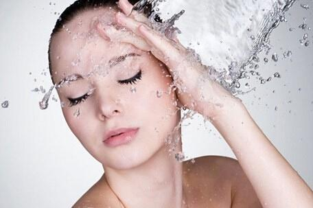 冬季皮膚乾燥脫皮?專家對抗乾燥有妙招! - 每日頭條