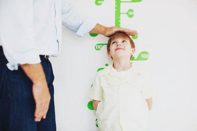 寶寶出現這6個情況可能是缺鈣了。家長再不注意。小心孩子長不高 - 每日頭條