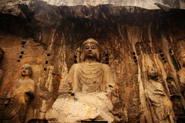 盧舍那大佛是龍門石窟最大的大佛。但丟失的雙臂又是怎麼回事? - 每日頭條