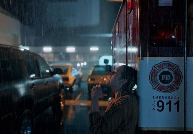 「影評」《隱形人》:致敬《煤氣燈下》,恐怖經典的淬鏈重生 - 每日頭條