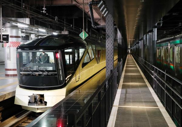 車窗外的日本 體驗法拉利設計師筆下的超豪華臥鋪列車 - 每日頭條