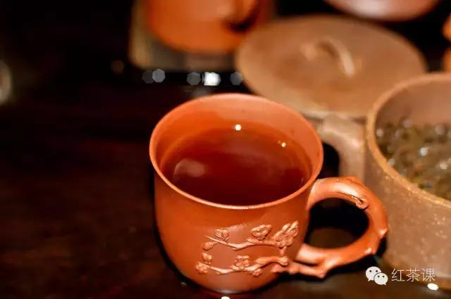 養生必知:空腹能喝紅茶嗎? - 每日頭條