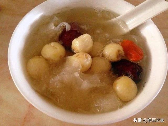 銀耳蓮子紅棗湯的做法。怎麼樣才能讓湯汁變得粘稠? - 每日頭條