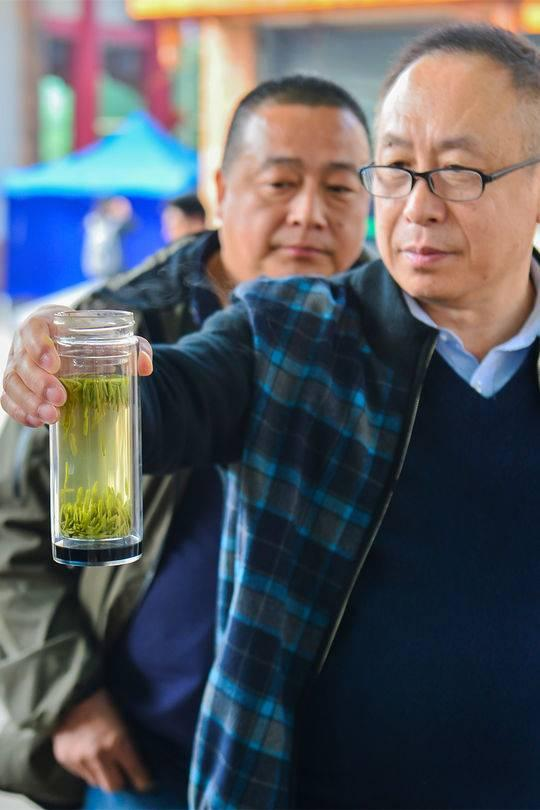 外地客商雲集 峨眉山大西南茶葉市場一年交易85億 - 每日頭條