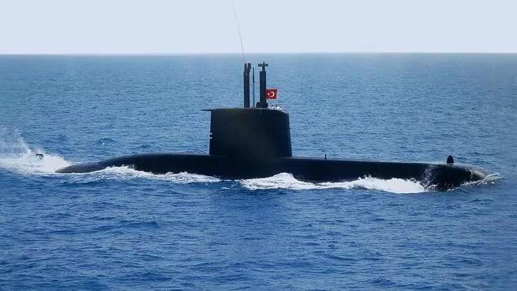 Türkiye'nin yeni denizaltısı suyla buluşuyor