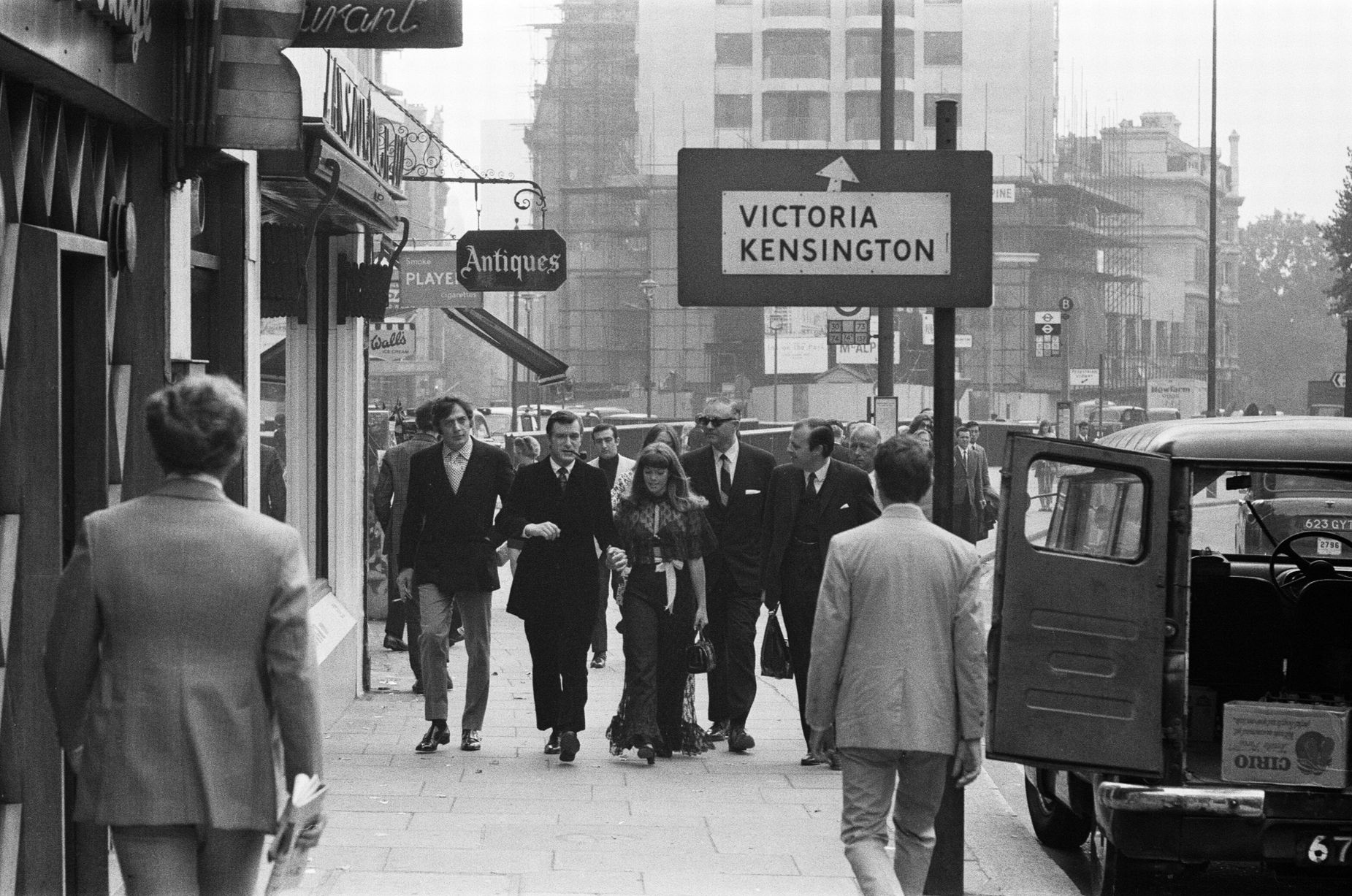 Everette hatcher iii the daily hatch page 10 5th september 1969 pictured as they arrive at the playboy club hugh hefner with his girlfriend barbara benton walking along park lane fandeluxe Gallery