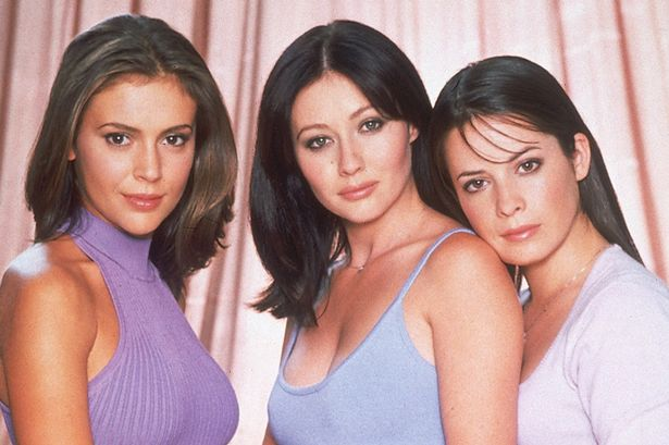 Alyssa Milano, Shannen Doherty, Holly Marie Combs in Charmed - Season 3