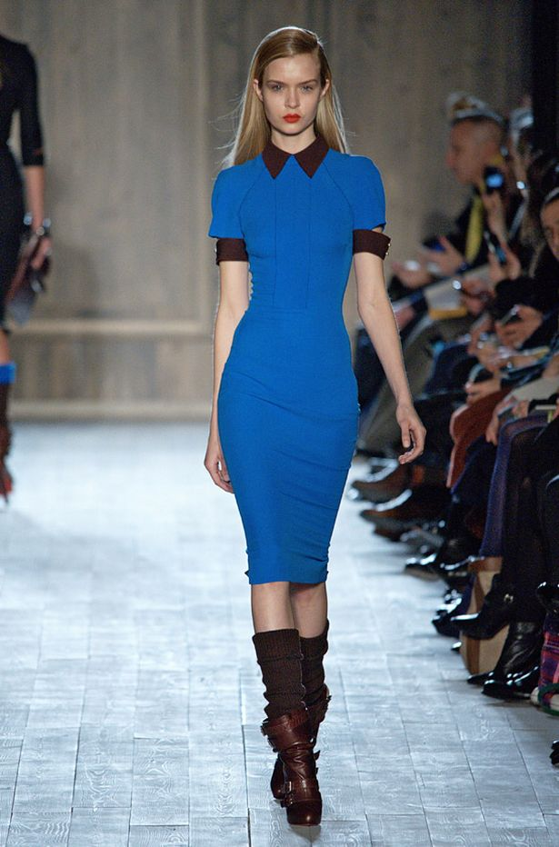 Victoria Beckham debuts military trend at autumnwinter