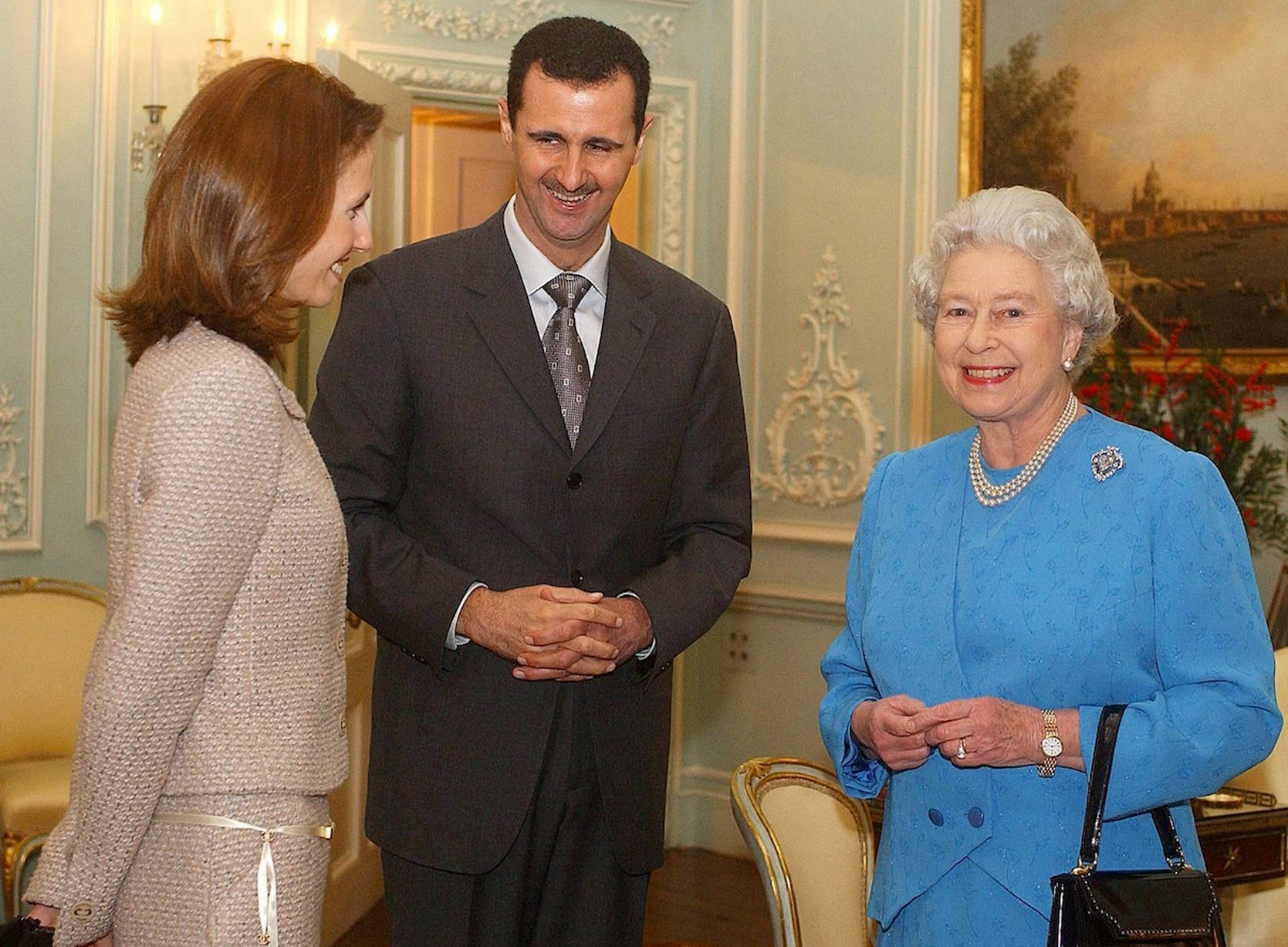 https://i0.wp.com/i2.mirror.co.uk/incoming/article7782365.ece/ALTERNATES/s1227b/Queen-Elizabeth-II-and-Syrias-President-Bashar-al-Assad-with-wife-Asma.jpg