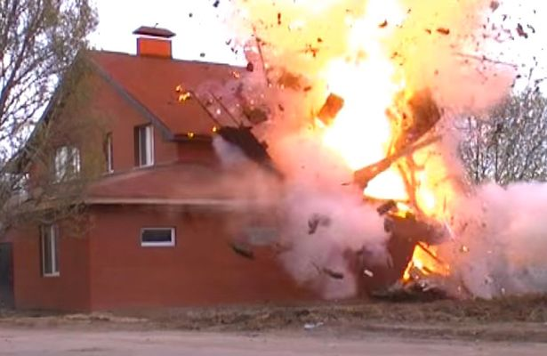 Russia-blows-up-bombs Police blow up 'illegal' Muslim prayer hall after 'finding stash of explosives and ISIS supporter' inside