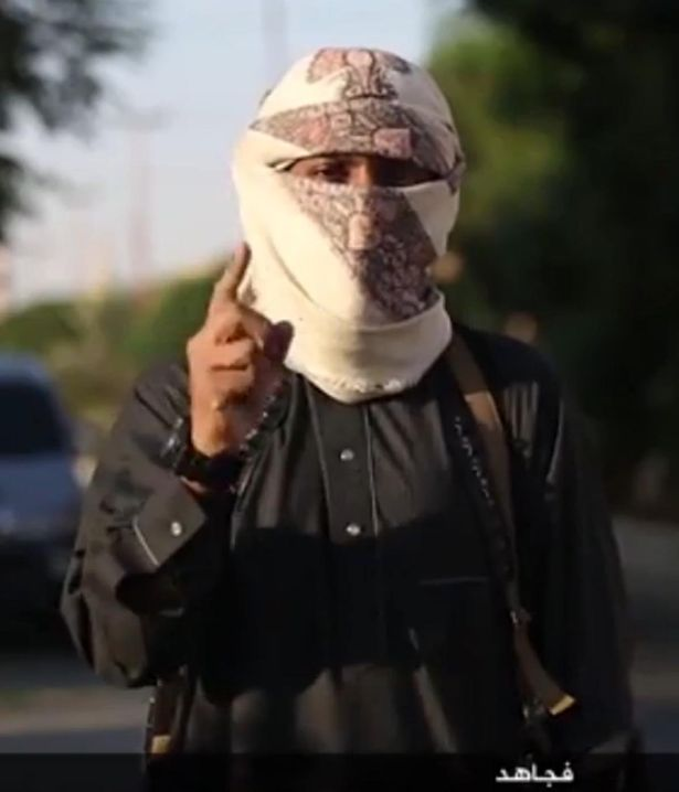 ISIS video features tutorial urging Muslims to kill 'disbelievers' in Britain