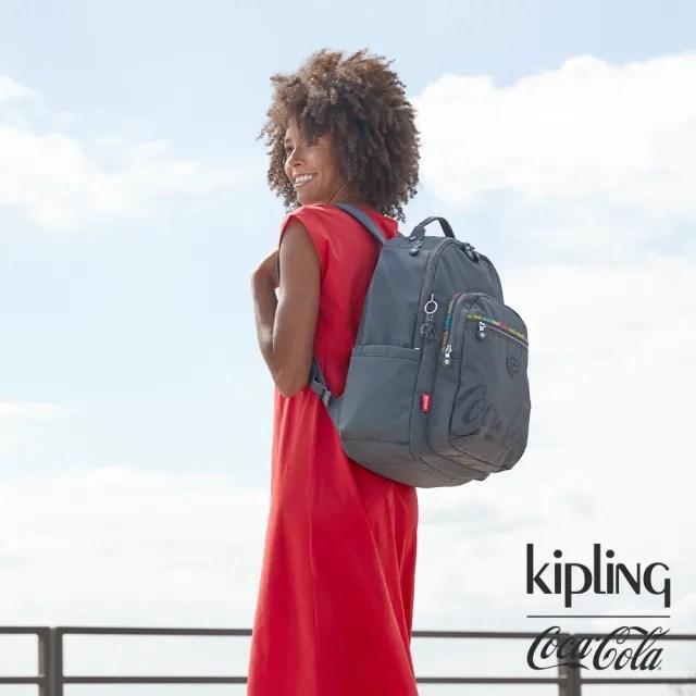 【KIPLING】Coca-Cola 聯名款創意LOGO印花機能手提後背包-SEOUL