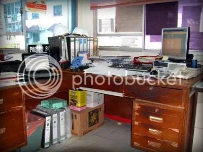 Girllyen Desk