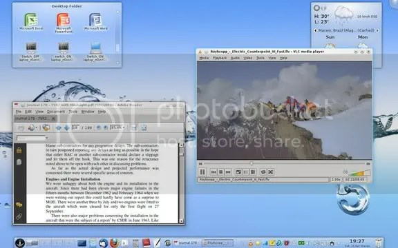 KDE 4.6.2 Desktop with open windows