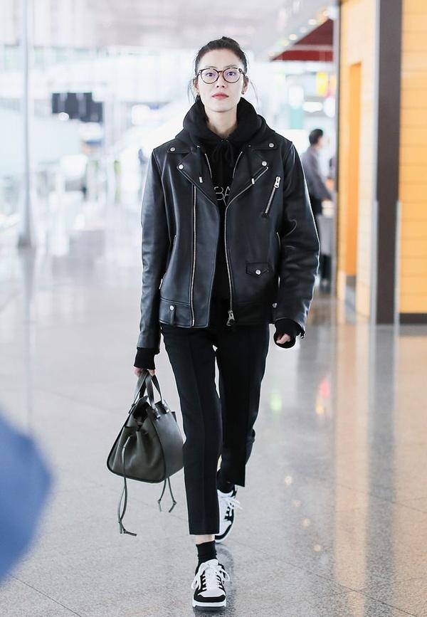 低調又有高級感!All black穿搭更適合冬季穿,百搭毫無臃腫感 - 壹讀
