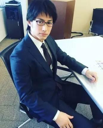 顏控必讀:日本戴眼鏡的男星中你最喜歡誰。 主任會是顏值擔當麼? - 壹讀