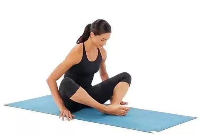 緩解坐骨神經痛的10個簡易伸展運動,簡單動起來! - 壹讀