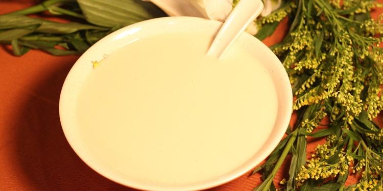 早上空腹喝豆漿好嗎 正確的喝豆漿方法 - 壹讀